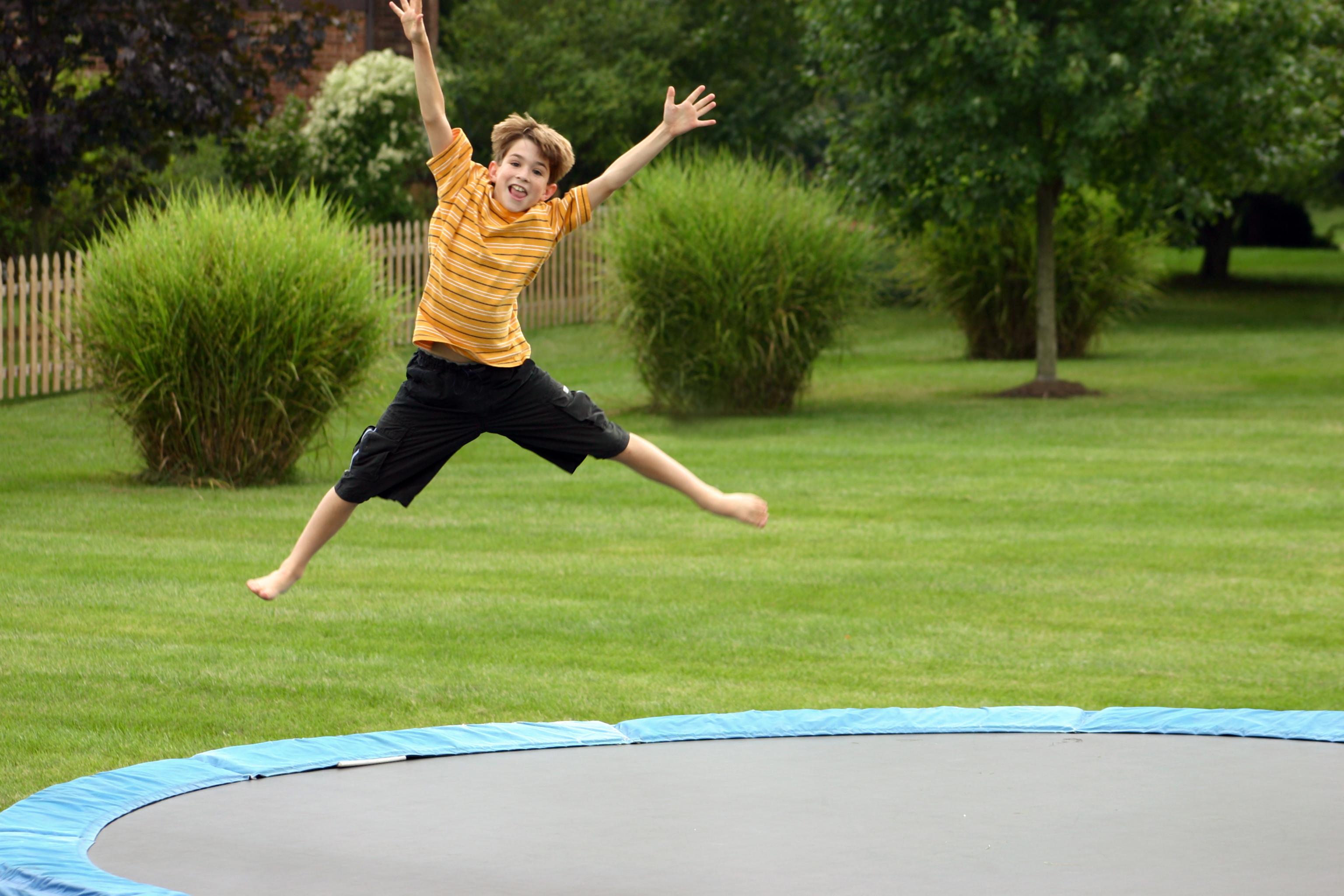 trampolin_valg_ude-leg.dk